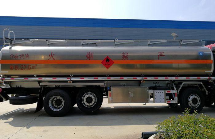 油罐车铝合金罐体图片
