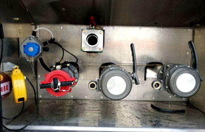 油罐车油气回收图片