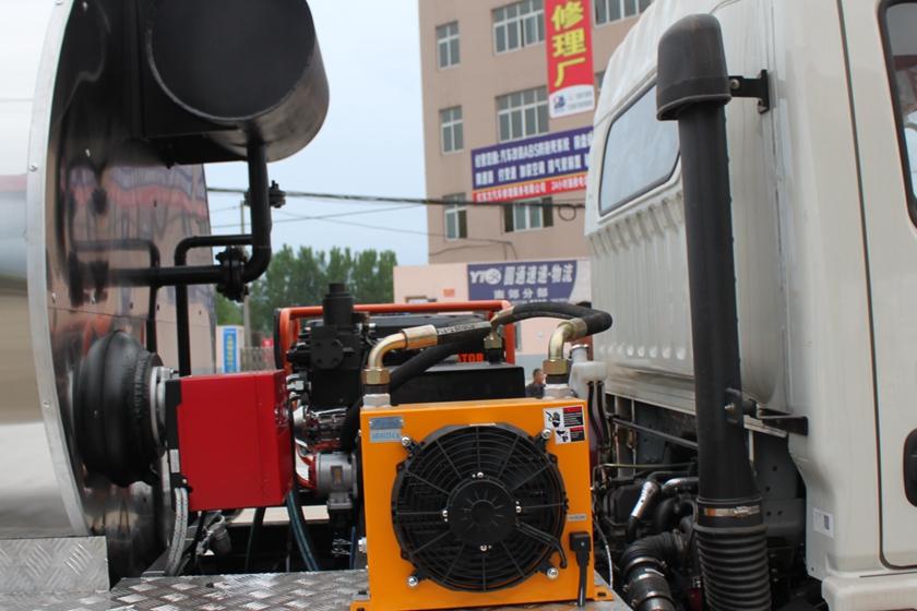 东风6吨沥青洒布车燃烧器图片