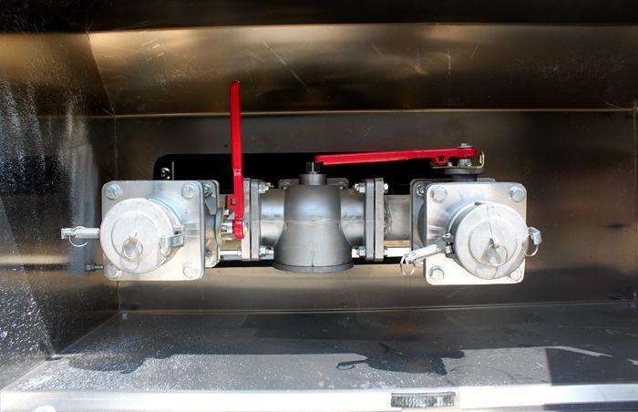 三环前四后六25吨油罐车泵进泵出图片