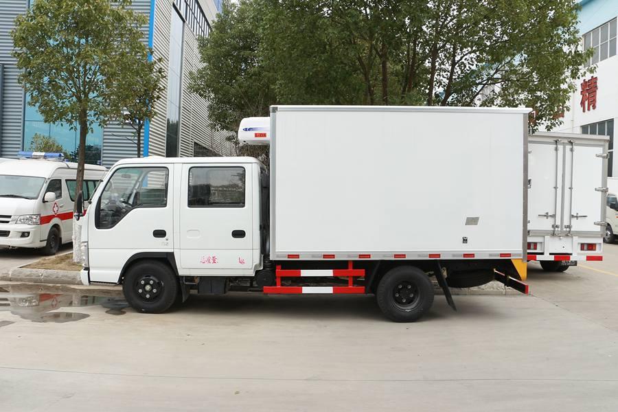 五十铃双排3.1米冷藏车正侧图片