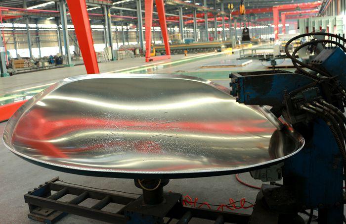 铝合金油罐车封头旋边机图片