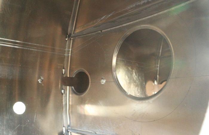 铝合金油罐车防浪板与筒体焊接图片