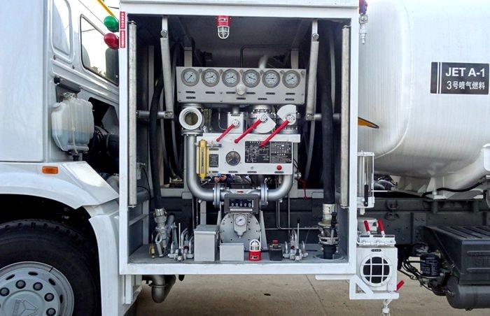 飞机加油车操作系统安装图片