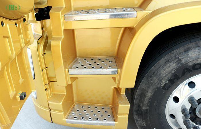 东风天龙半挂油罐车上车踏板图片