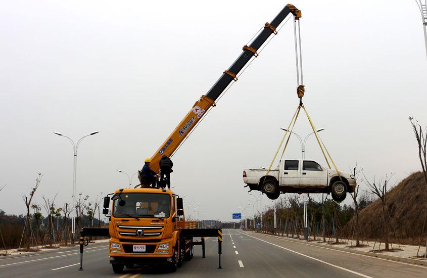 徐工汉风14吨单联泵随车吊左侧实拍图片