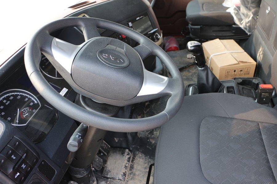 江淮格尔发K5肉钩9.6米冷藏车方向盘图片