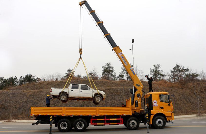 徐工汉风14吨单联泵随车吊正侧实拍图片