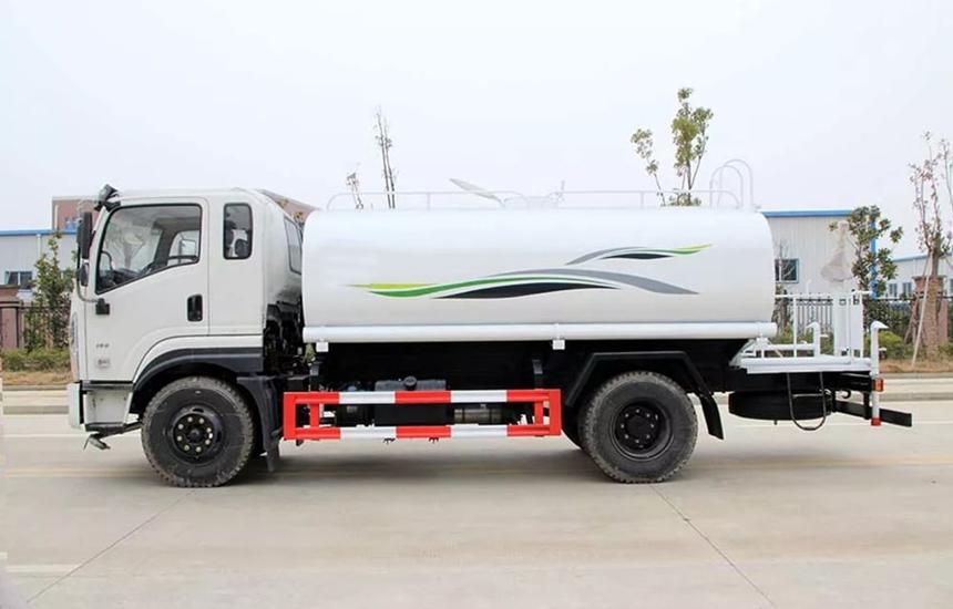 东风新款12吨洒水车整车图片C