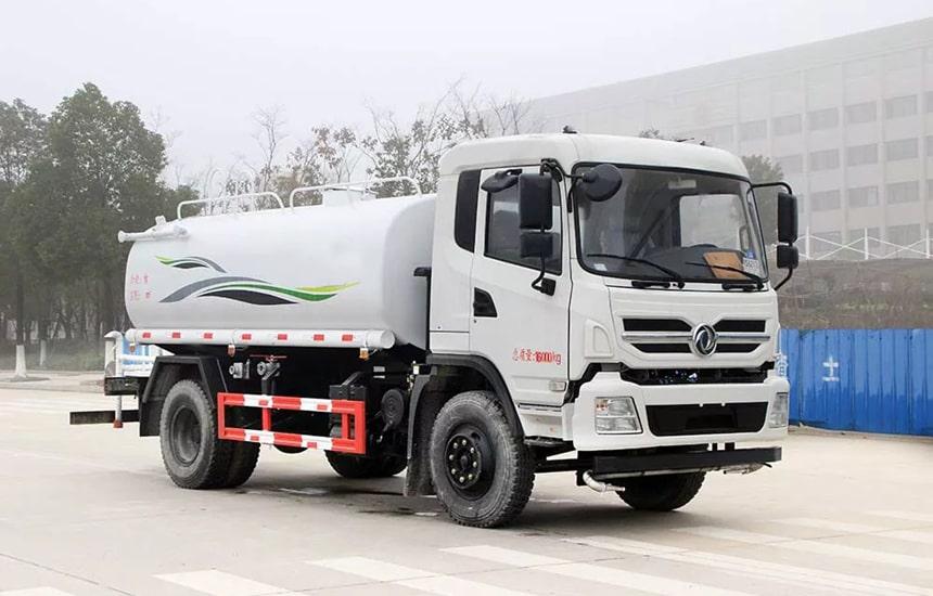 东风新款12吨洒水车整车图片2