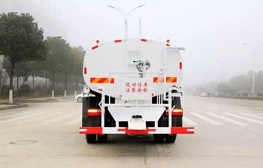 东风新款12吨洒水车整车图片6