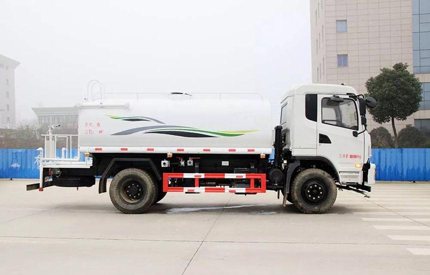 东风新款12吨洒水车整车图片3