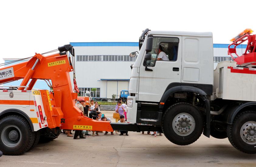 特商50吨重型清障车拖车实拍图片