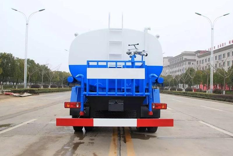新款东风专底15吨洒水车图片E
