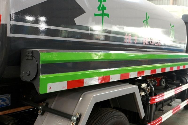 新款东风5吨洒水车图片E