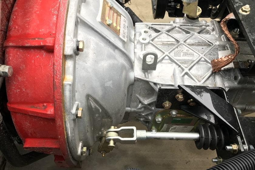 沥青洒布车变速箱取力器