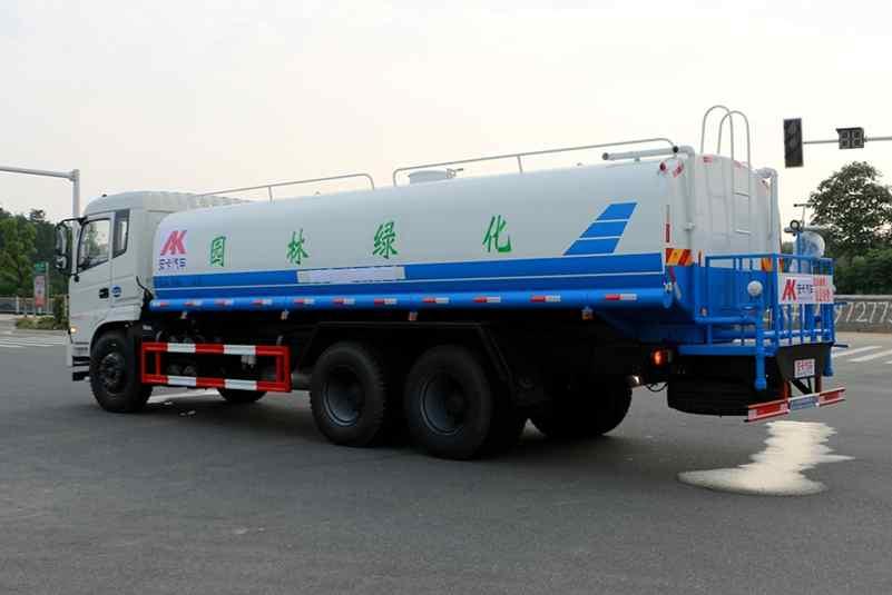 东风20吨洒水车图片