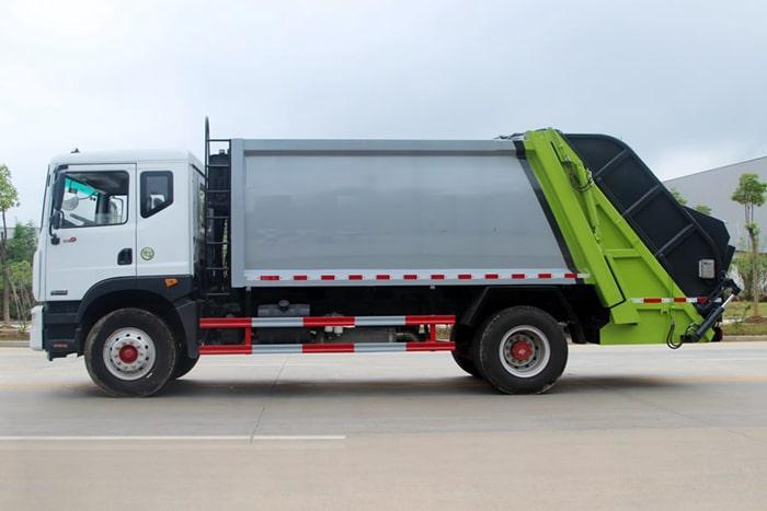 东风10方压缩式垃圾车左侧图片