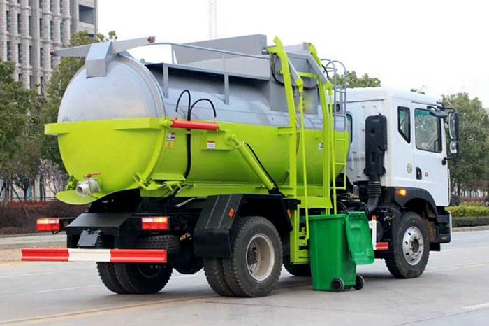 东风D9餐厨式垃圾车右后侧图片