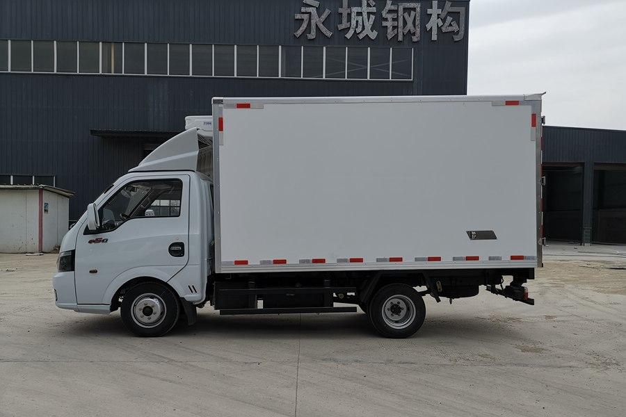 东风途逸3.5米冷藏车正侧图片