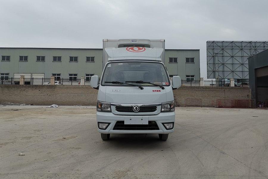 东风途逸3.5米冷藏车正前图片