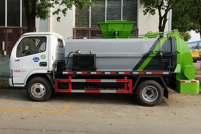 东风小多利卡餐厨式垃圾车左侧图片