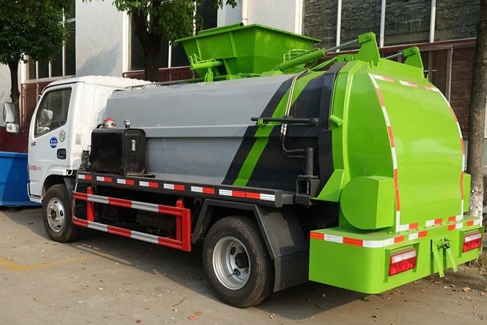 东风小多利卡餐厨式垃圾车左后侧图片