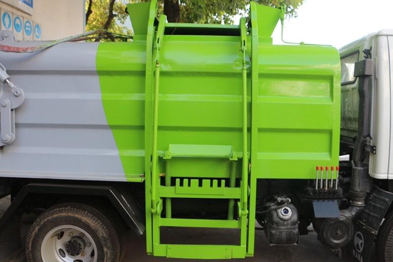 凯马蓝牌3.5方餐厨垃圾车斜拉式拉杆提升机图片