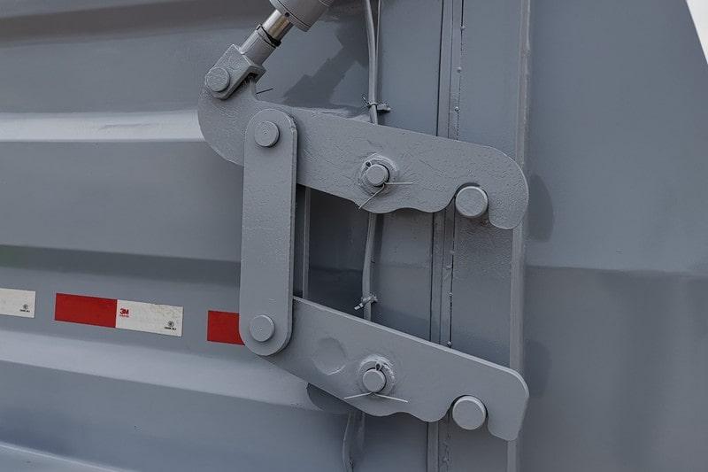 凯马蓝牌3.5方餐厨垃圾车液压锁紧钩图片
