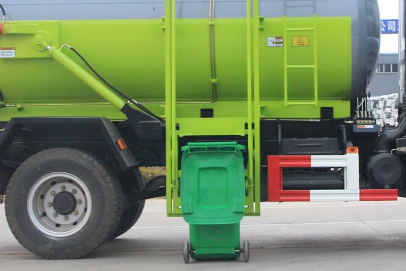 东风D9餐厨式垃圾车挂桶提升机构图片