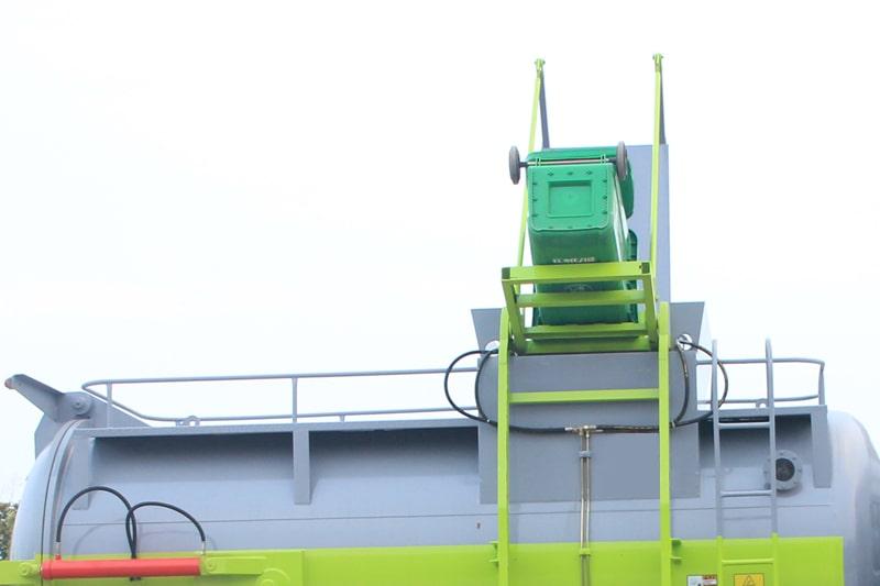 东风D9餐厨式垃圾车拉杆式上料图片