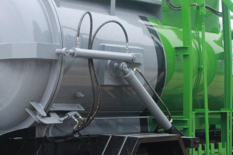东风5方餐厨垃圾车液压油缸图片