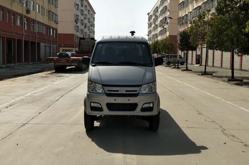 重庆长安小型马路清扫车2