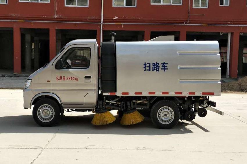 重庆长安小型马路清扫车1