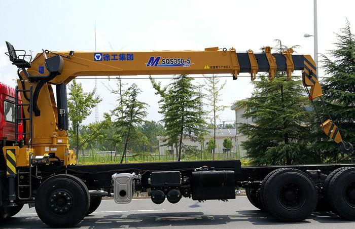 徐工14吨五节臂随车吊吊机图片