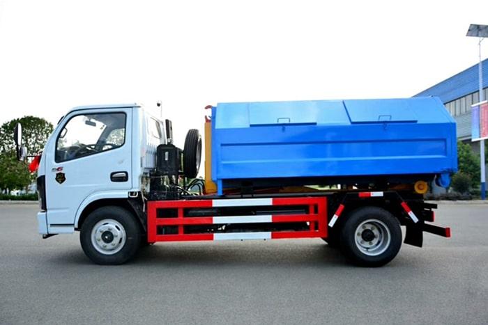 国六东风5方勾臂式垃圾车左侧图片