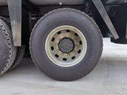 解放J6P9.6米冷藏车12.00钢丝胎