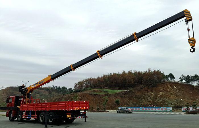 东风天龙VL徐工16吨五节臂吊机图片