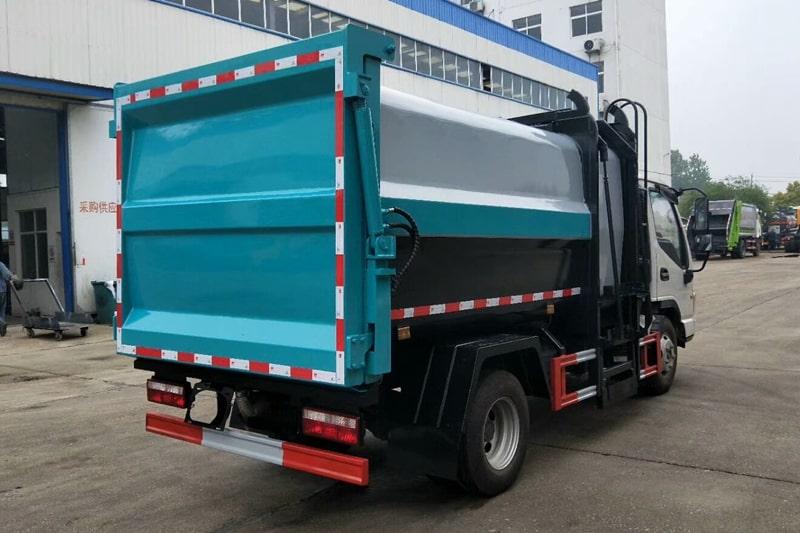 江淮7方自装卸式垃圾车右后侧实拍图片