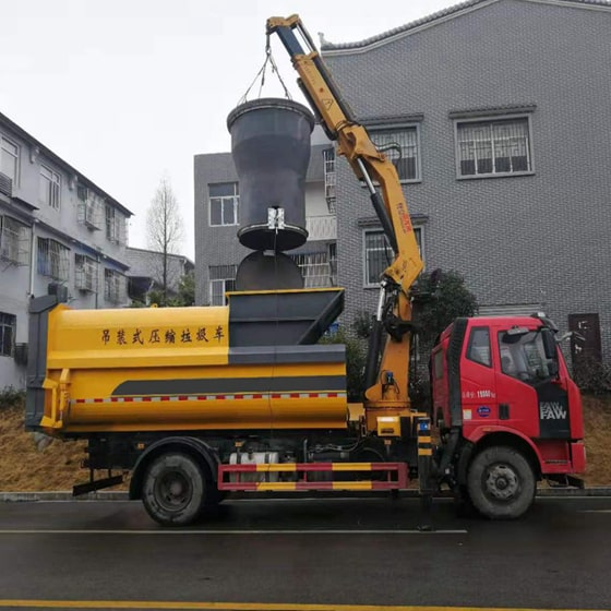 吊装式压缩垃圾车图片