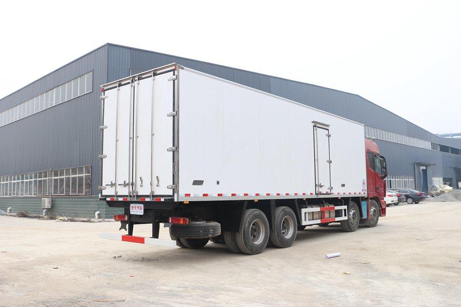福田欧曼前四后八9.6米大型冷藏车价格|图片