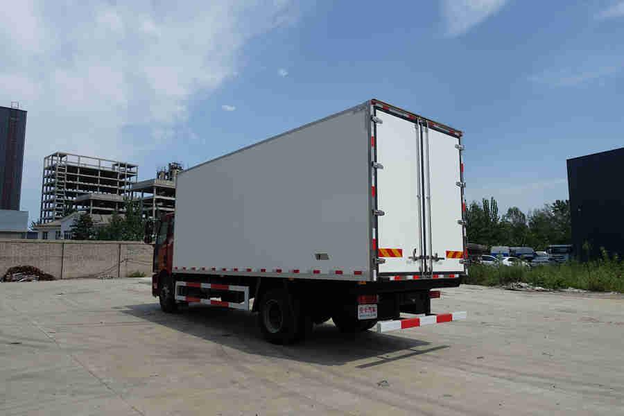 解放J6L240马力6.8米冷藏车价格|图片