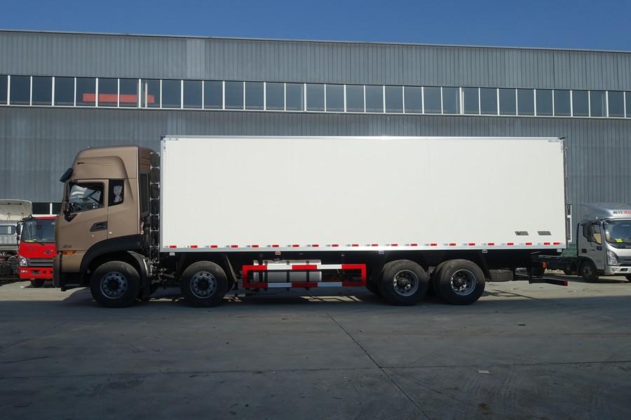 东风天龙新款KL前四后八9.6米冷藏车正侧图片