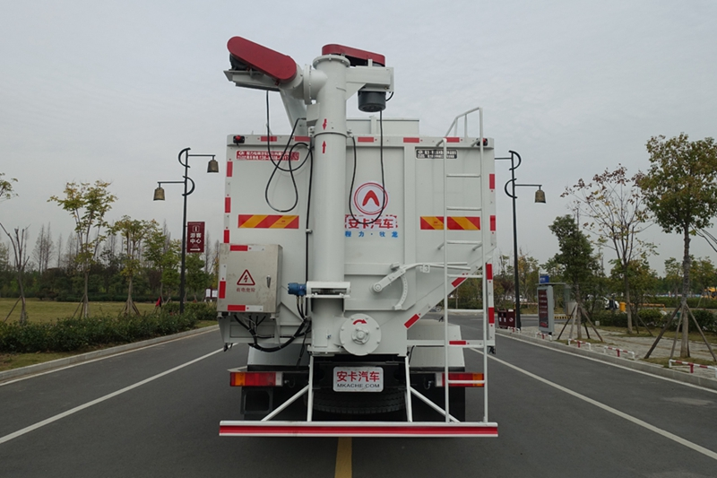 东风天龙20吨散装饲料车(5)