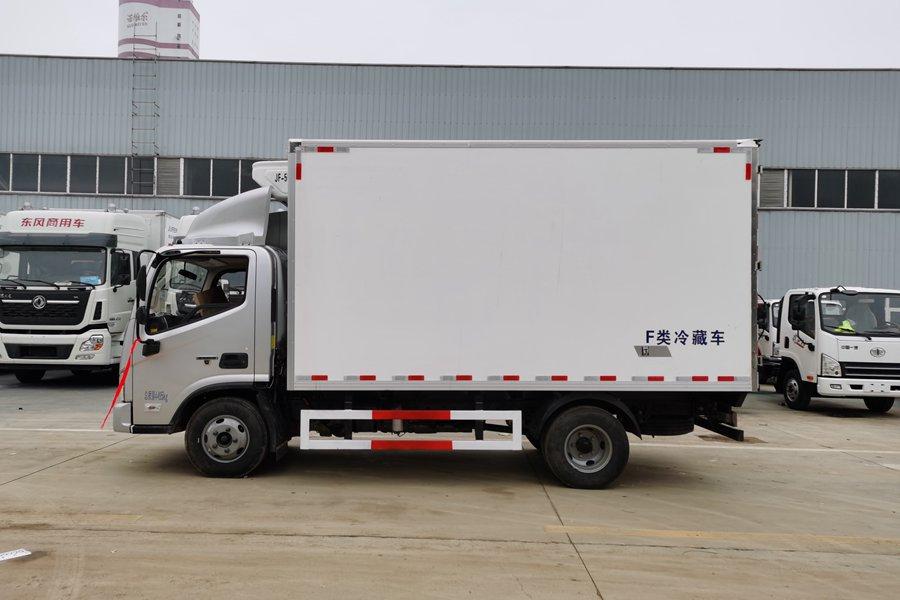 福田欧马可4.2米国六冷藏车正侧图片