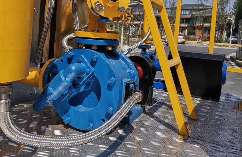 沥青洒布车沥青泵