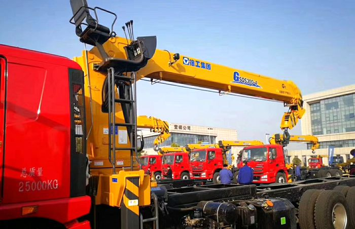 徐工G系列12吨随车吊图片