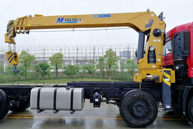 东风天龙12吨双联泵随车吊吊臂图片