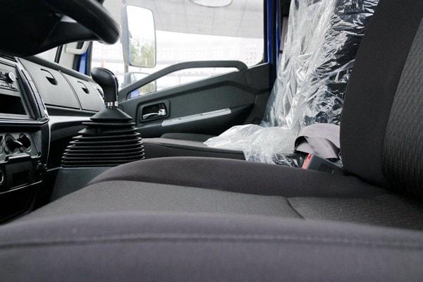 东风4方勾臂垃圾车座椅图片
