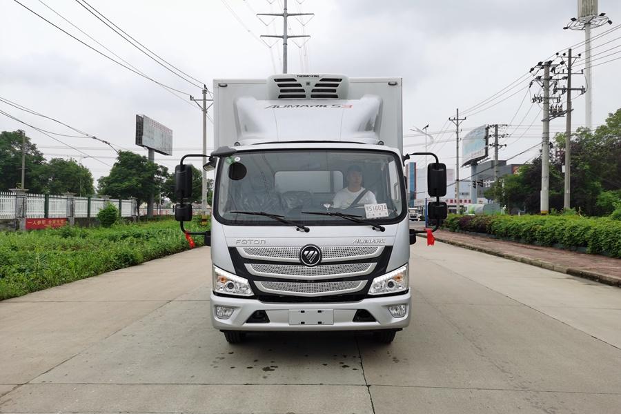 福田欧马可S3国六3.8排量4.2米冷藏车正前